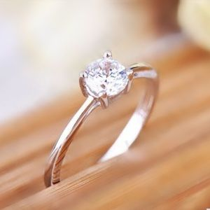 Jewelry - 🎁🌟GORGEOUS Sterling Silver CZ Solitaire🌟❤️